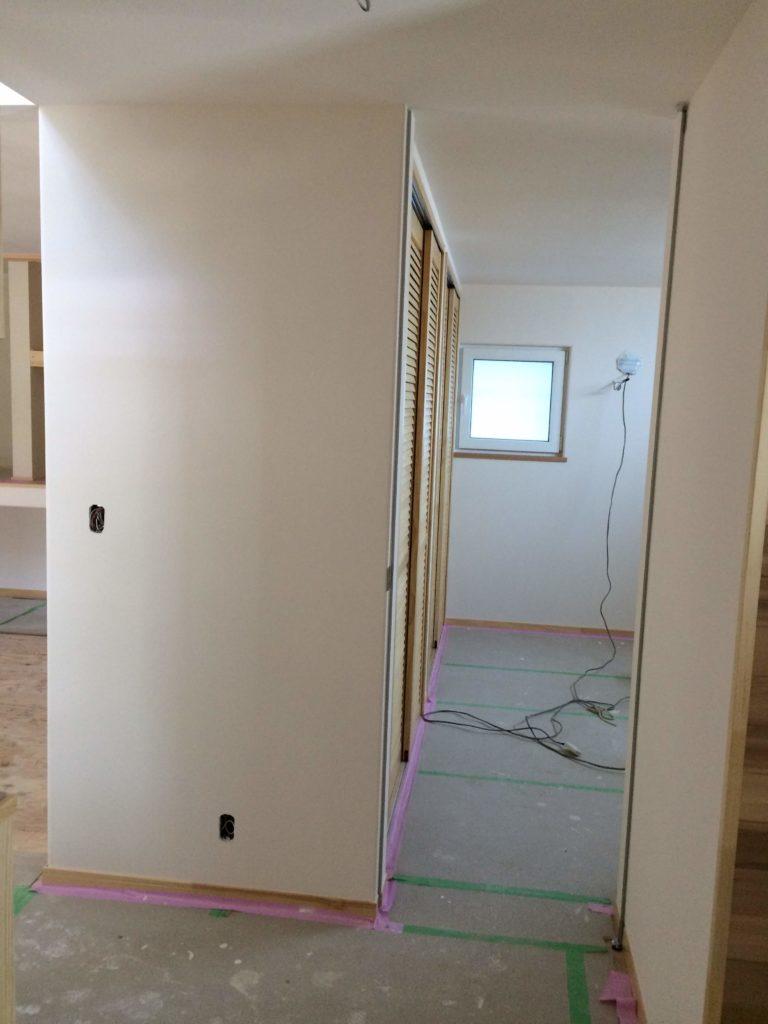 寝室 神谷フルハイトドア