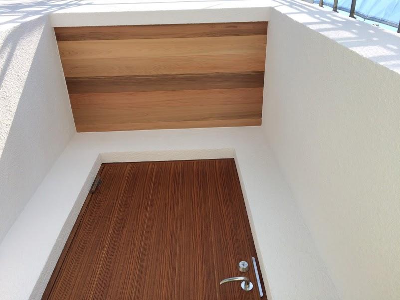 ガデリウス 玄関ドア レッドシダー天井